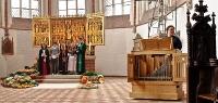 altar_9188821_stitch