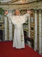 Panoptikum_HH_Papst_P5313944_6x8