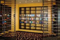 AIDAmar-Freizeit_mfw13__021995_Buchecke_Lounge