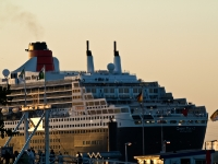 queen_mary_2_P15085128