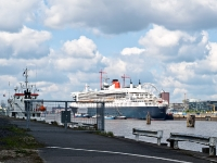 queen_mary_2_P5043886
