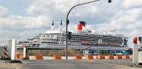 queen_mary_2_P5043943_stitch