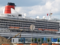 queen_mary_2_P5043948