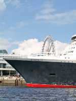 queen_mary_2_P5044005