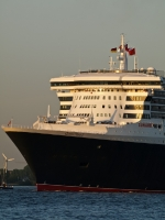 queen_mary_2_P5085244