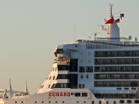 queen_mary_2_P5085276