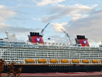 disney_dream_B062804