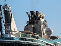 independence-of-the-seas_mfw13__016954