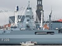 Fregatte Hamburg F220 AA090080